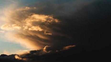 800px-Cloudy_sky_1_(Unsplash)